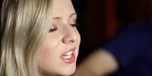 Madilyn Bailey - Blue Jeans